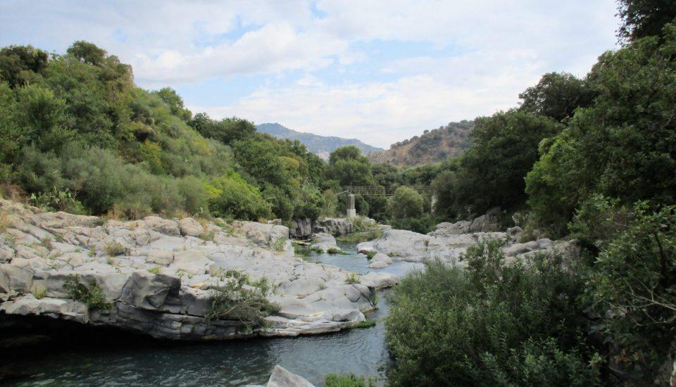 Etna i Rzeka Alcantara