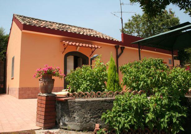 Domek z ogrodem w Sant'Alfio – Katania